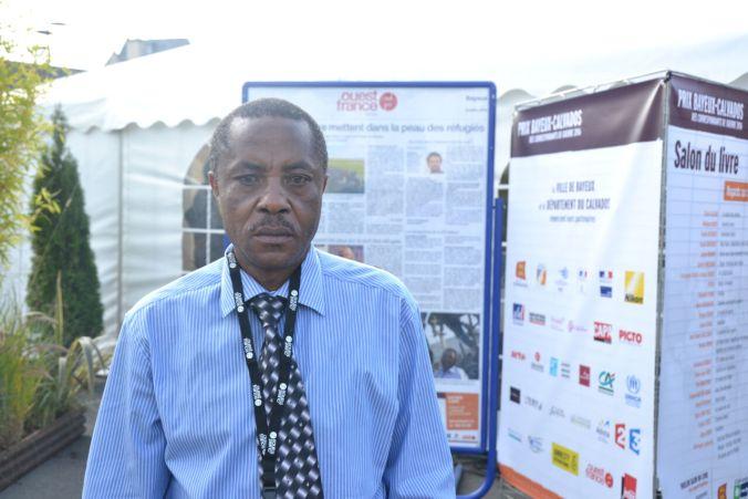 Déo Namujimbo, journaliste congolais, est intervenu lors de la conférence sur l'Afrique des Grands Lacs @Julien Delacourt