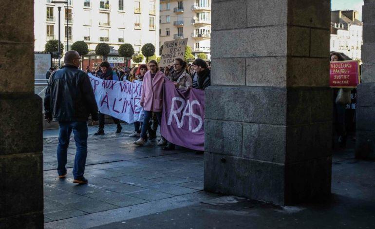 Le cortège arrive à la Place de la République © Malika Barbot / Worldzine
