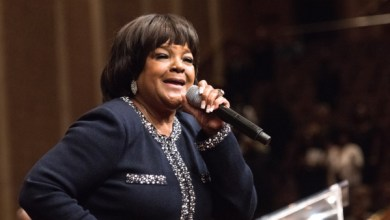 Photo of Shirley Caesar Defends Kim Burrell, Says Kim Should've Spoken Out Against Homosexuality Four Years Ago 'Before the President Made That Stuff Alright' [Video]