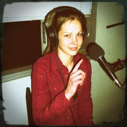Bre Fretz, pointing at the mic