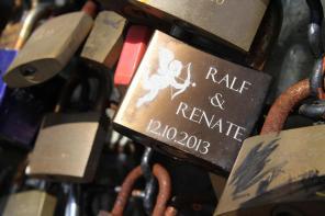 Ob sich Ralf und Renate wohl im Turm das Ja-Wort gegeben haben? Foto: Björn Othlinghaus