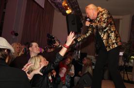 Die Fans himmeln ihr Idol noch genauso an wie vor 40 Jahren. Foto: Björn Othlinghaus