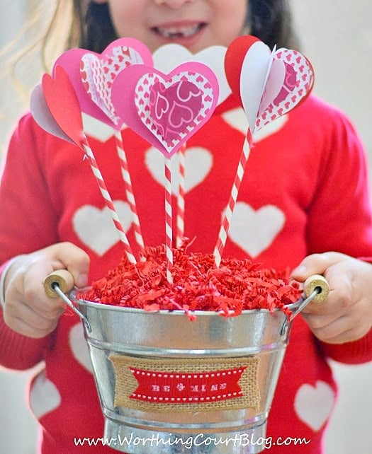 How to make a Valentine's Day Sweetheart Bouquet.  A kid friendly craft!