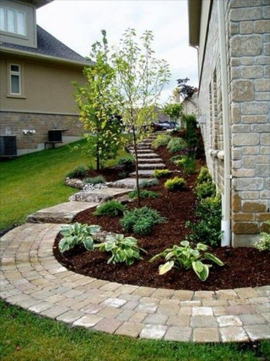 27 Easy and Cheap Walkway Ideas for Your Garden on Side Yard Walkway Ideas id=11862
