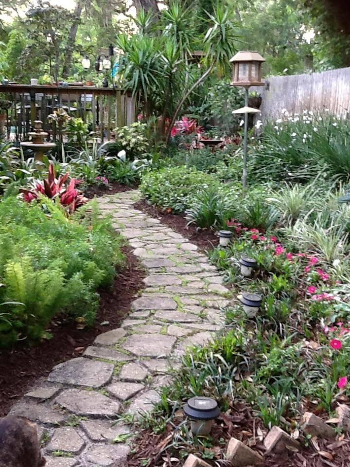 27 Easy and Cheap Walkway Ideas for Your Garden on Backyard Walkway Ideas  id=71226