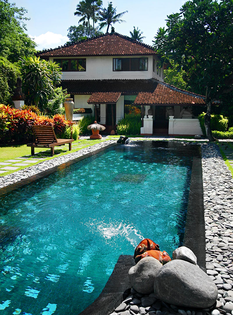 10 Astonishing Houses With Outdoor Swimming Pools Worthminer