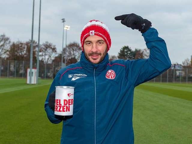 Für das Spiel der Herzen gegen Hannover werden noch Pinverkäufer gesucht. (Foto: Mainz 05)