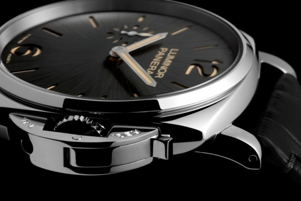 Panerai Luminor Pam676
