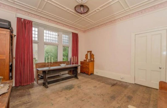On The Market Five Bedroom Detached Victorian Property In
