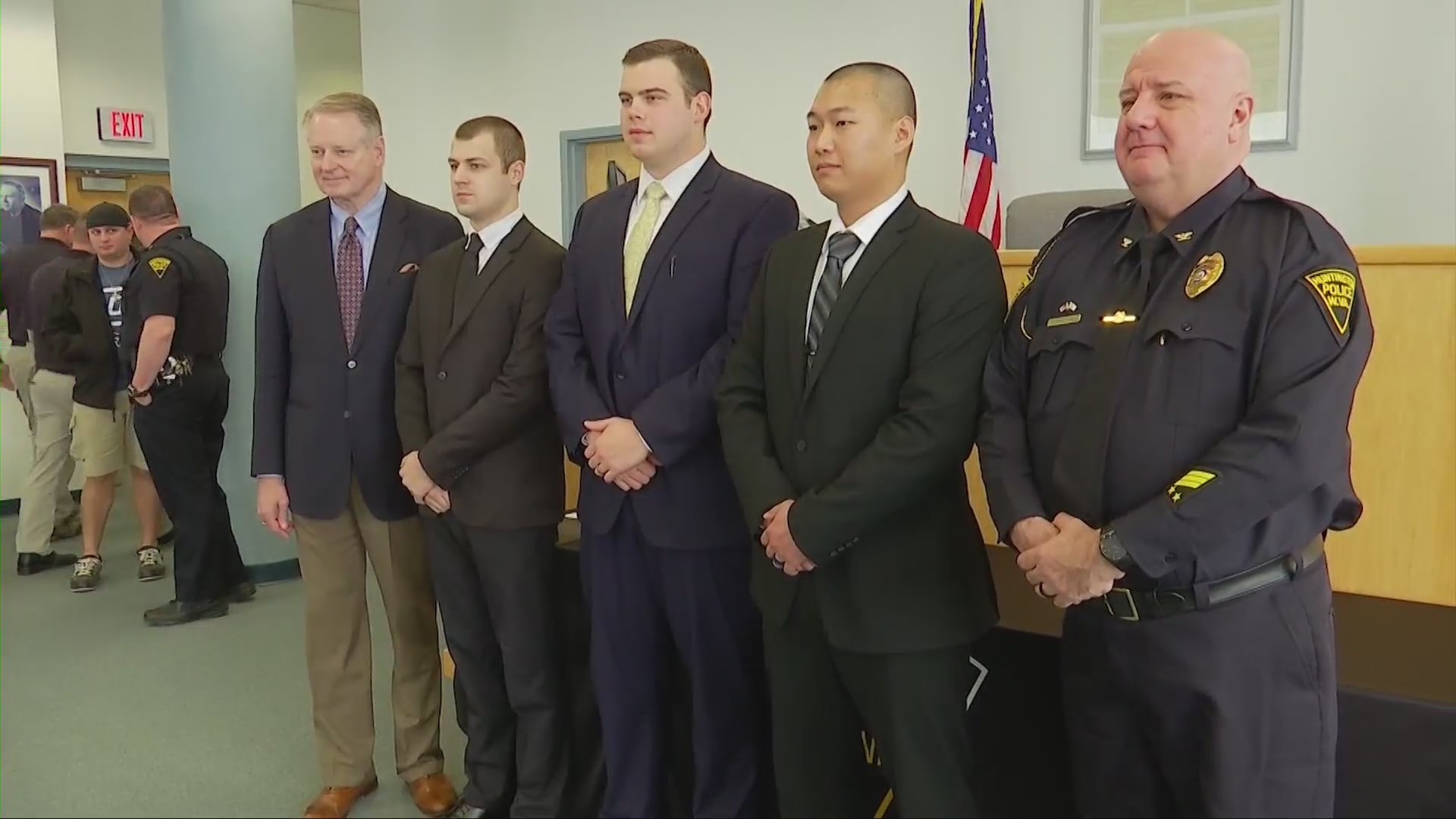 Huntington police hire new officers