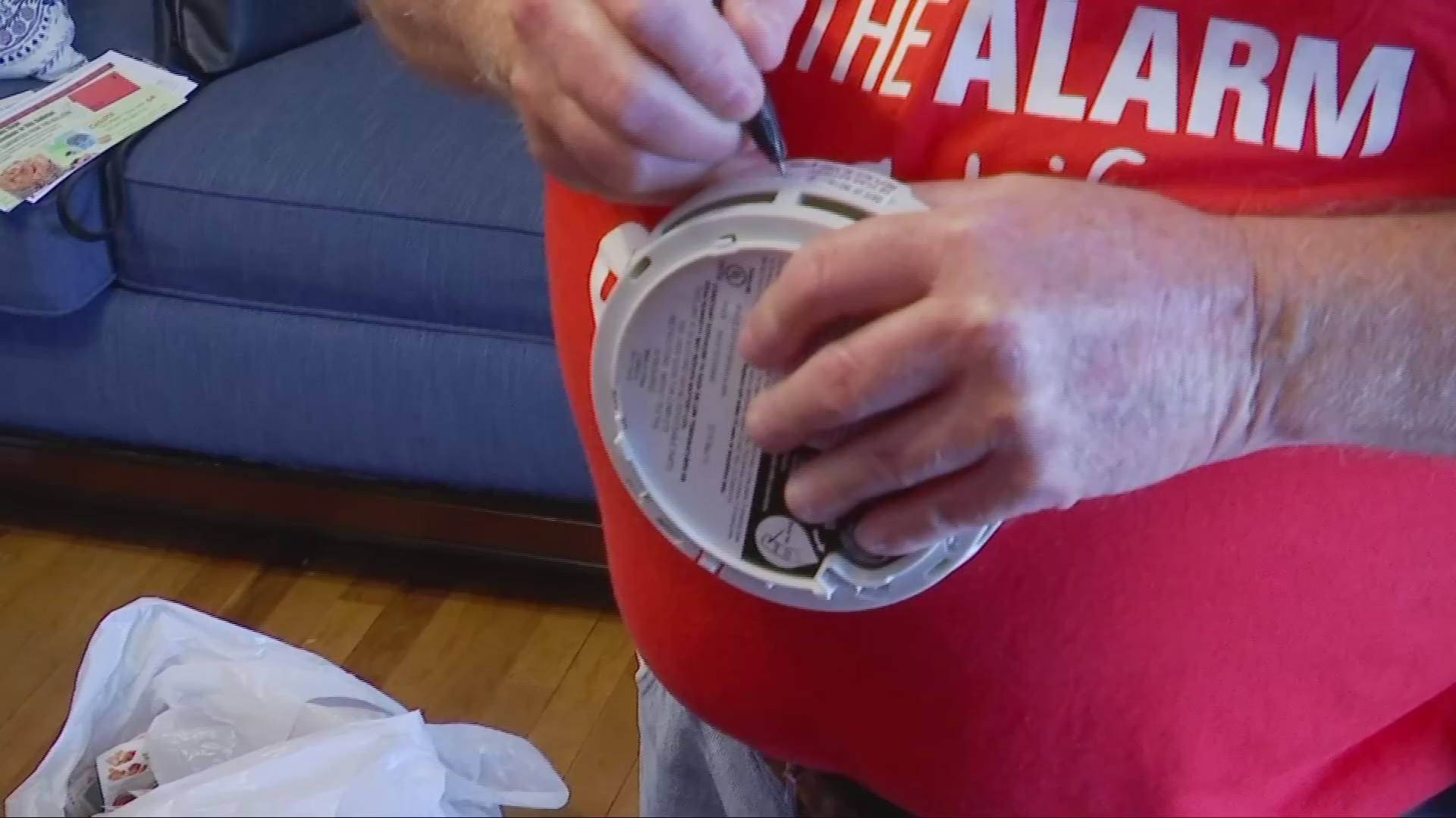 American Red Cross and Appalachian Power team up to install smoke detectors