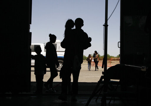 Lawyers: 250 children held in bad conditions at US border
