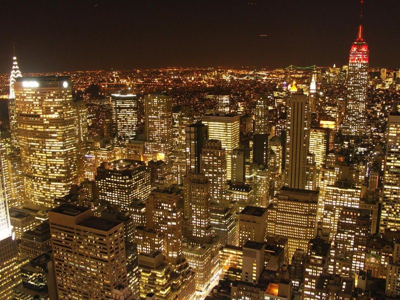 night-gold-buildings-new-york-city-cityscapes
