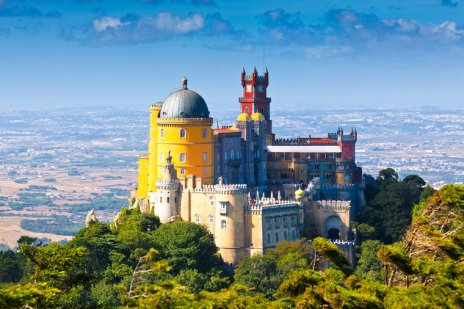 portugal-sintra_pena_national_palace-_c_europhotos-shutterstock_81933538-5a701
