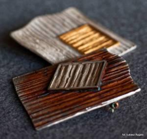 Srebrny oksydowany broszko-wisior Faktura - Kwadrat lub Romb