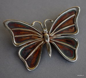 Srebrny broszko-wisior motyl
