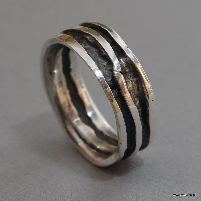 Srebrny pierścionek Rzeka