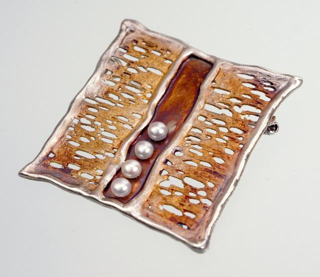 Srebrny broszko-wisior Rozsypany z kamieniami naturalnymi