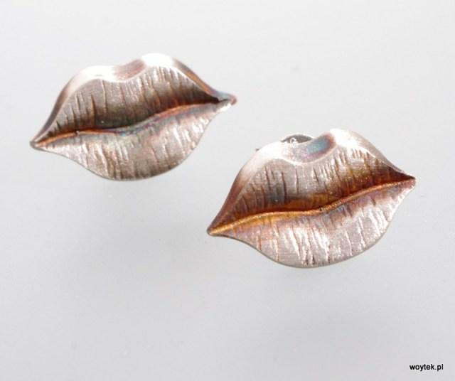 Srebrne kolczyki Usta - oksydowane, pozłacane lub z elektroforezą