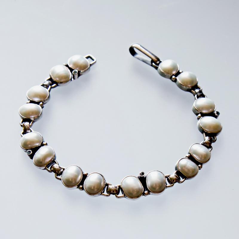Srebrna bransoleta z perłami