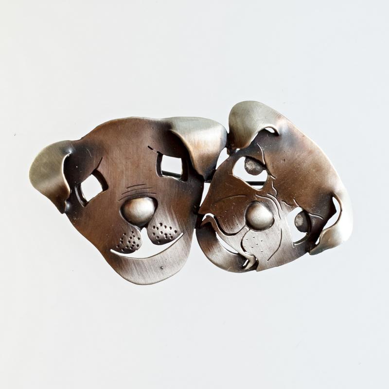 Srebrna broszka Maski Psy