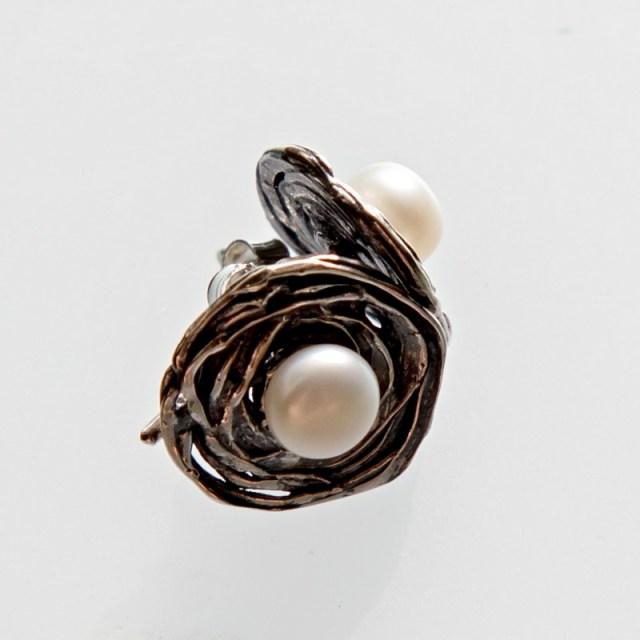 Srebrne kolczyki Gniazdka płaskie z perłą