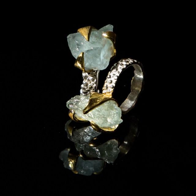 Srebrny Super Pierścień Pazury z akwamarynem i pozłacanymi elementami