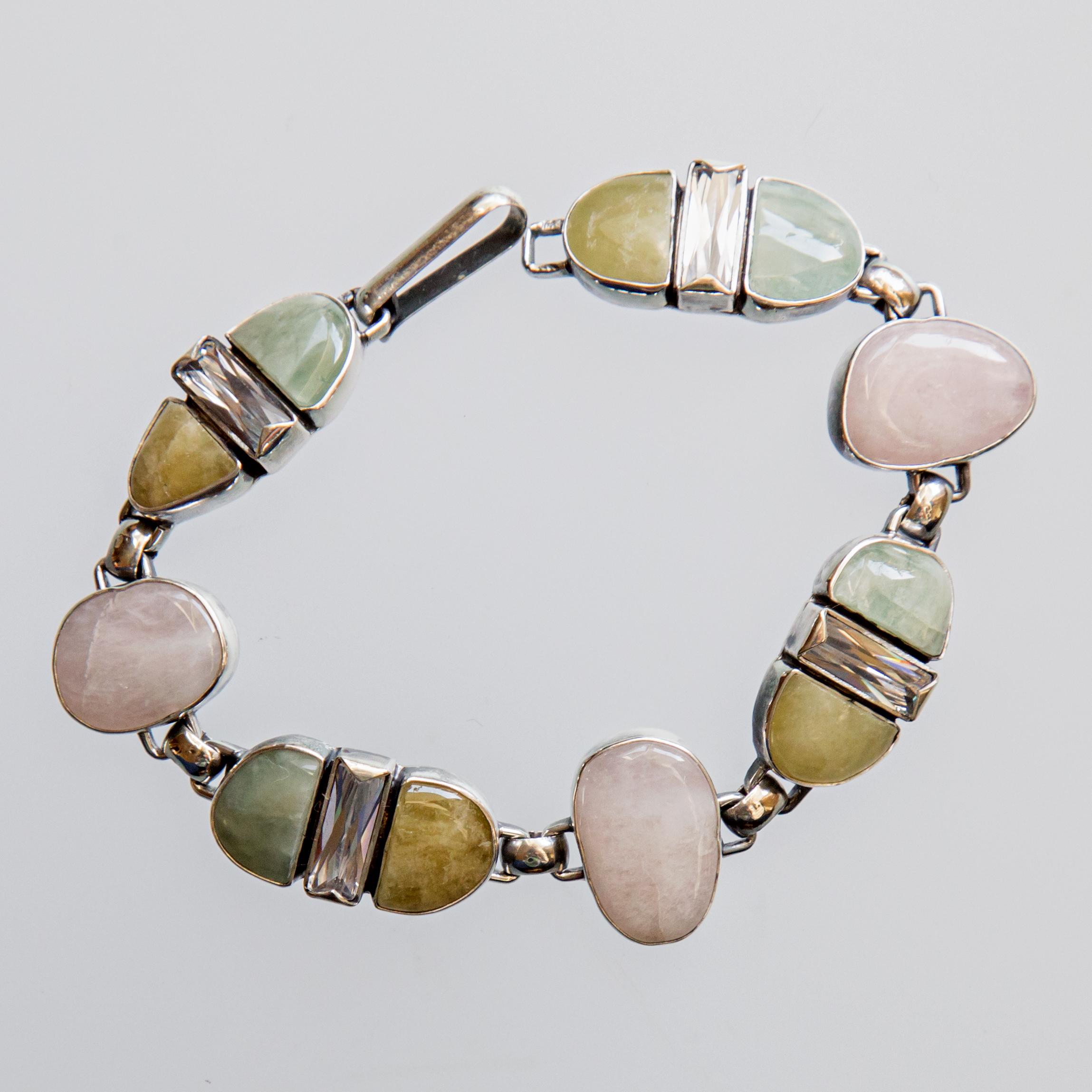 Srebrna bransoleta z berylami i podłużnymi cyrkoniami