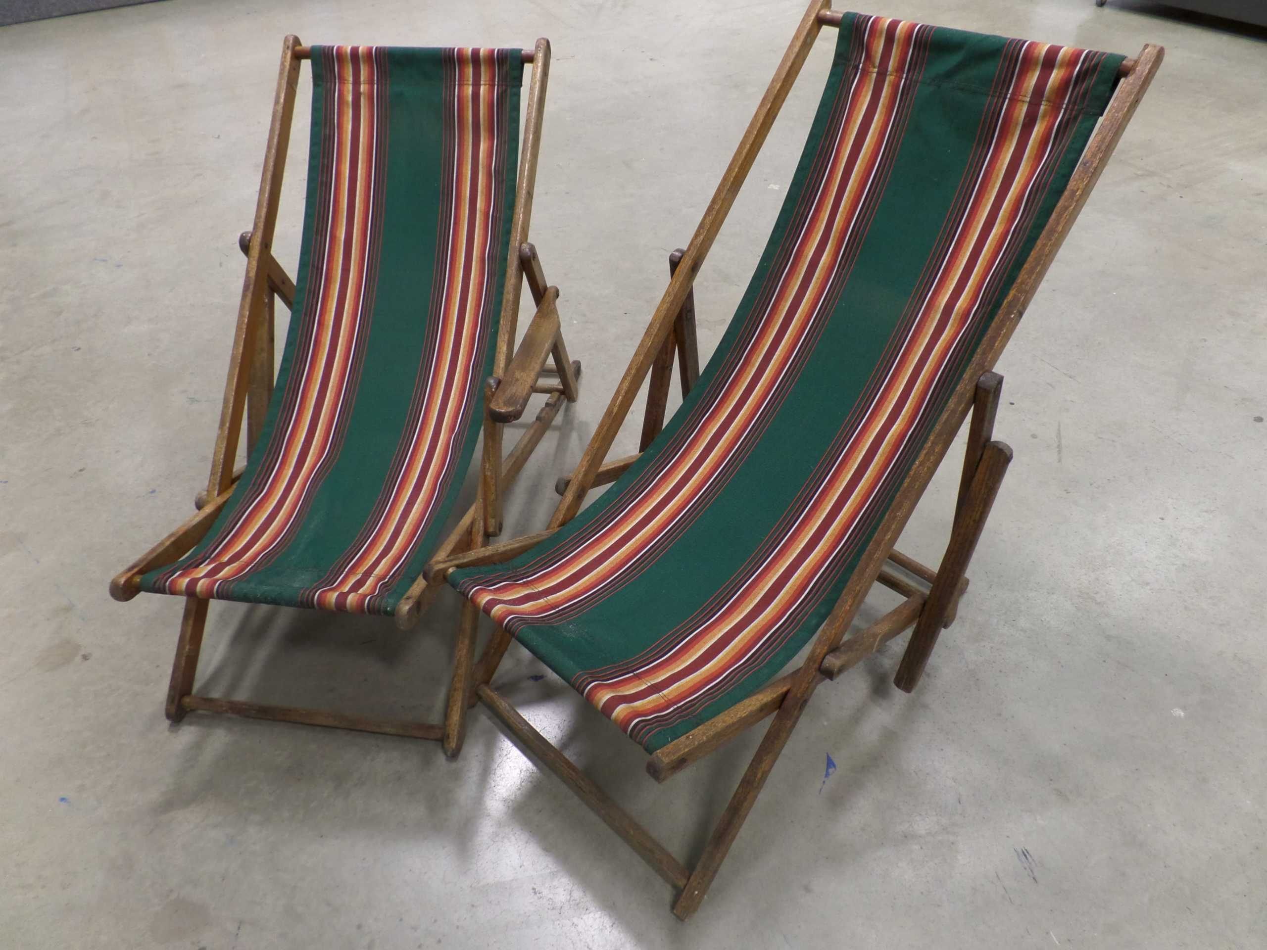 VINTAGE BEACH CHAIRS <br/> Donated by: KEITH WALKER <br/> Valued at: $240 <br/> Buy It Now: $60
