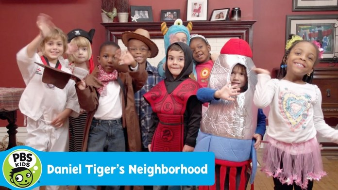 DANIEL TIGER'S NEIGHBORHOOD | A Costume Party | PBS KIDS