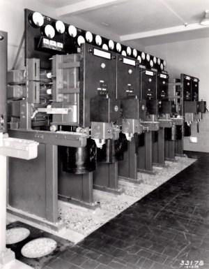 SWEHS 3.5.348.jpg - Date 1935 - 11kV switchgear at Cairns Road Distribution substation. Bristol, Westbury Park .