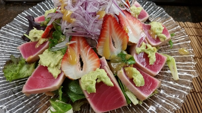 ahi tuna salad finished_158413