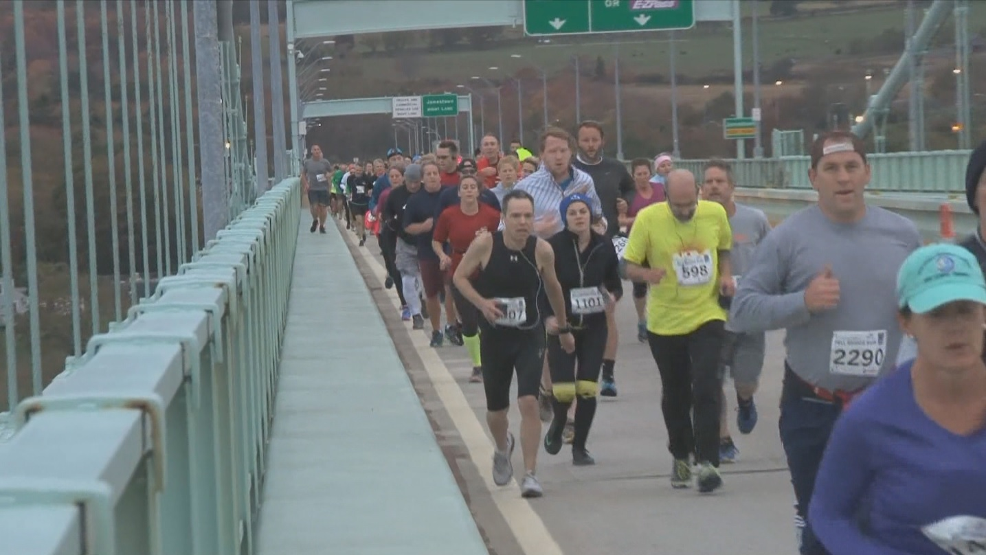 2015-pell-bridge-run_221391