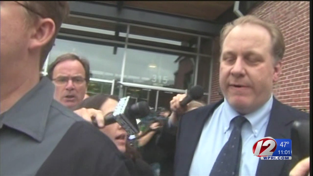 In op-ed, Curt Schilling blames Lincoln Chafee for 38 Studios