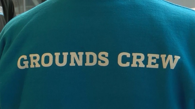 grounds crew_633603