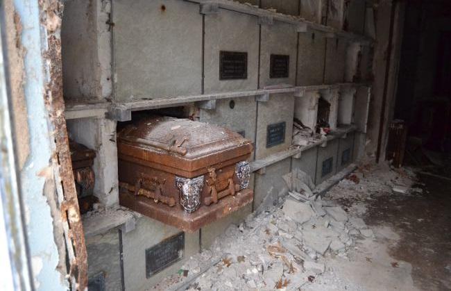 mausoleum_643866