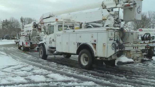 power crews working_658485