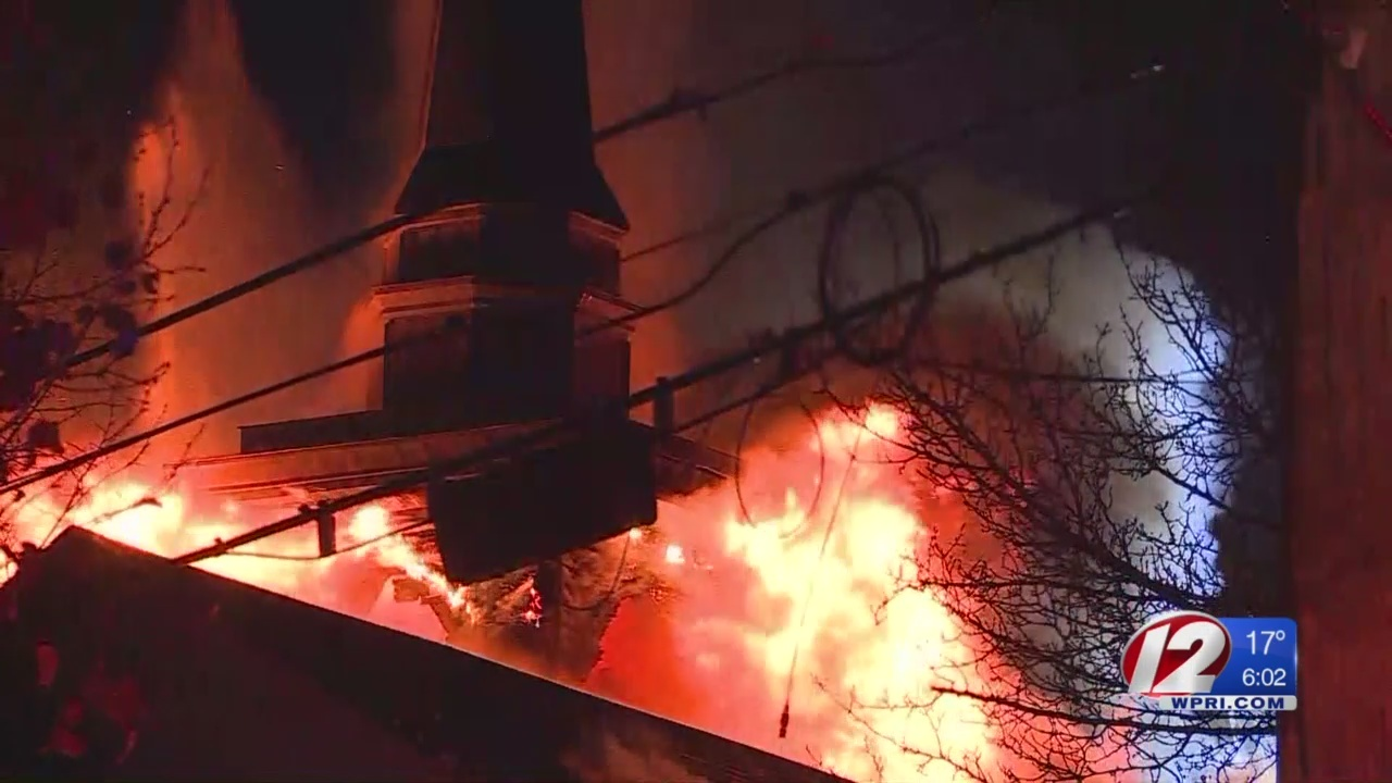 Pastor__church_damaged_by_fire_will_cont_0_20181122231138