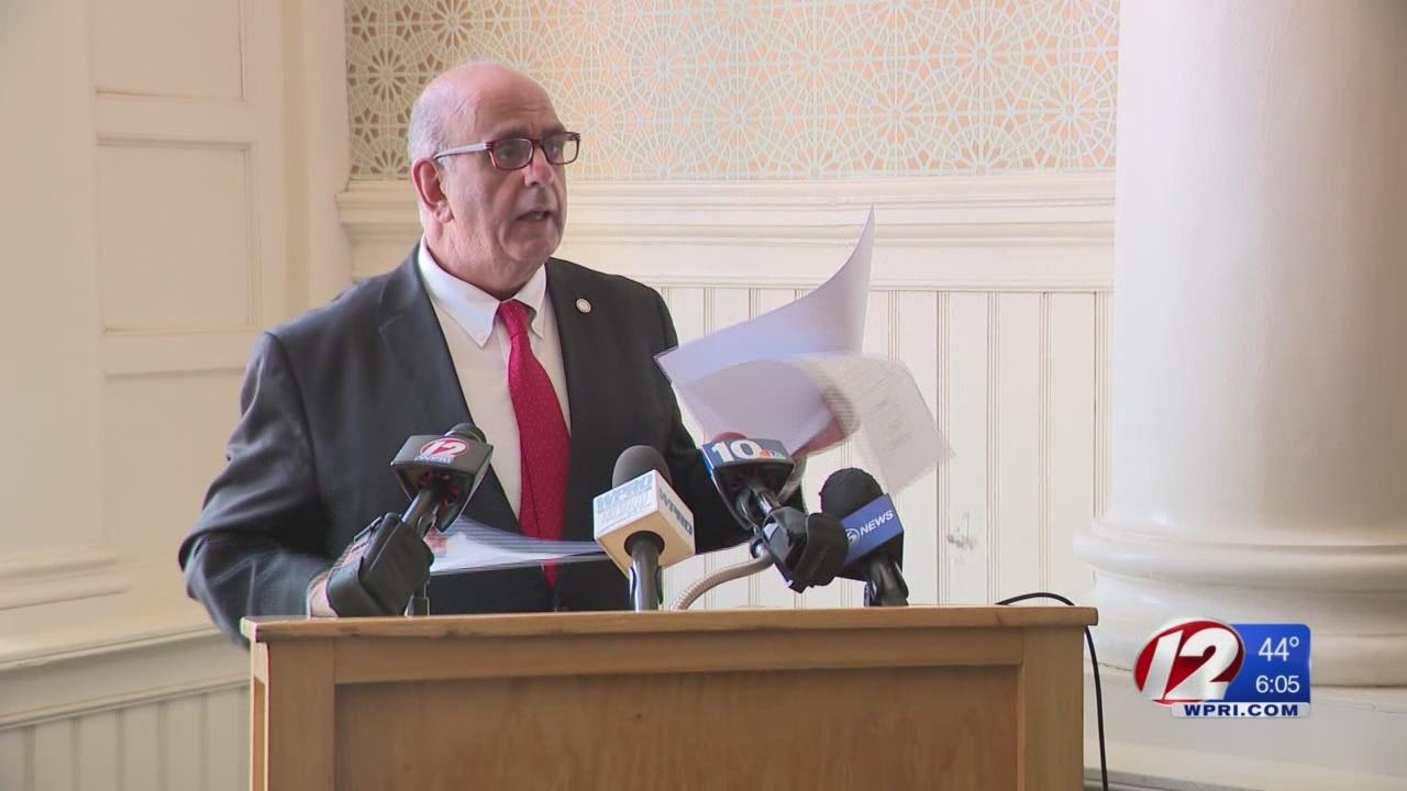 Warwick mayor blames former mayor for pension arbitration
