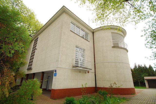 Białorusini otrzymają willę Rotsteinów. To perła modernizmu mieszcząca się na Saskiej Kępie