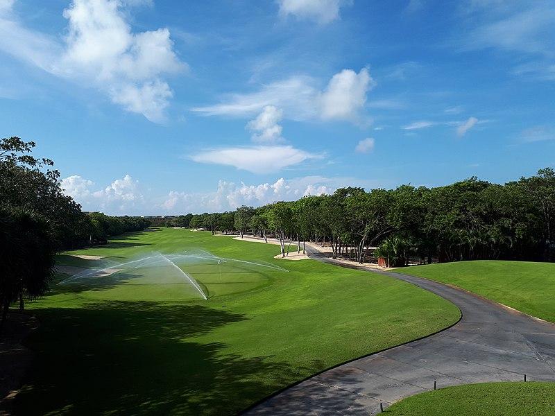 800px-El_Camaleon_Mayakoba_Golf_Course_1555204240575.jpg