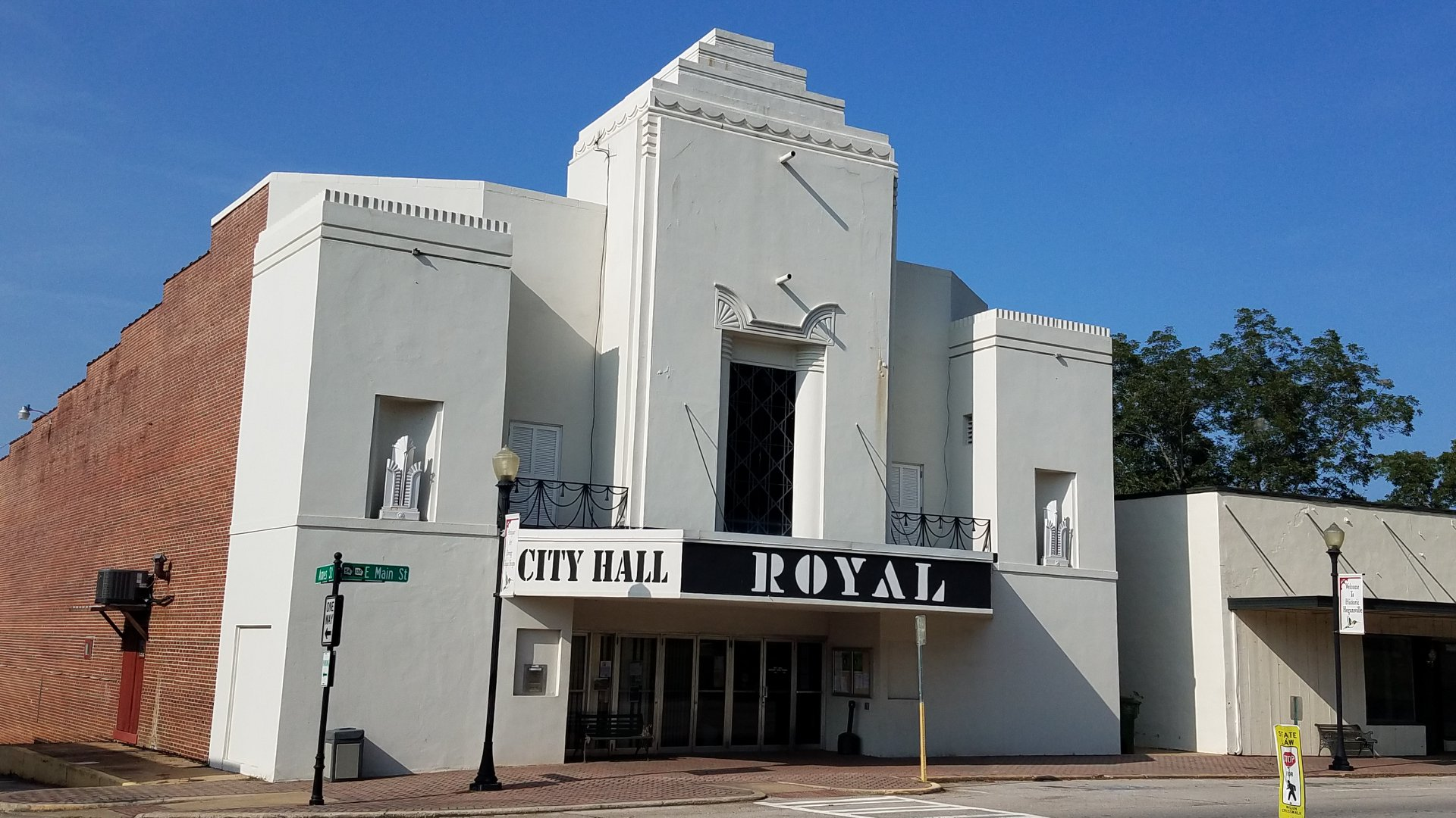 royal theatre hogansville_1560264558703.jpg.jpg