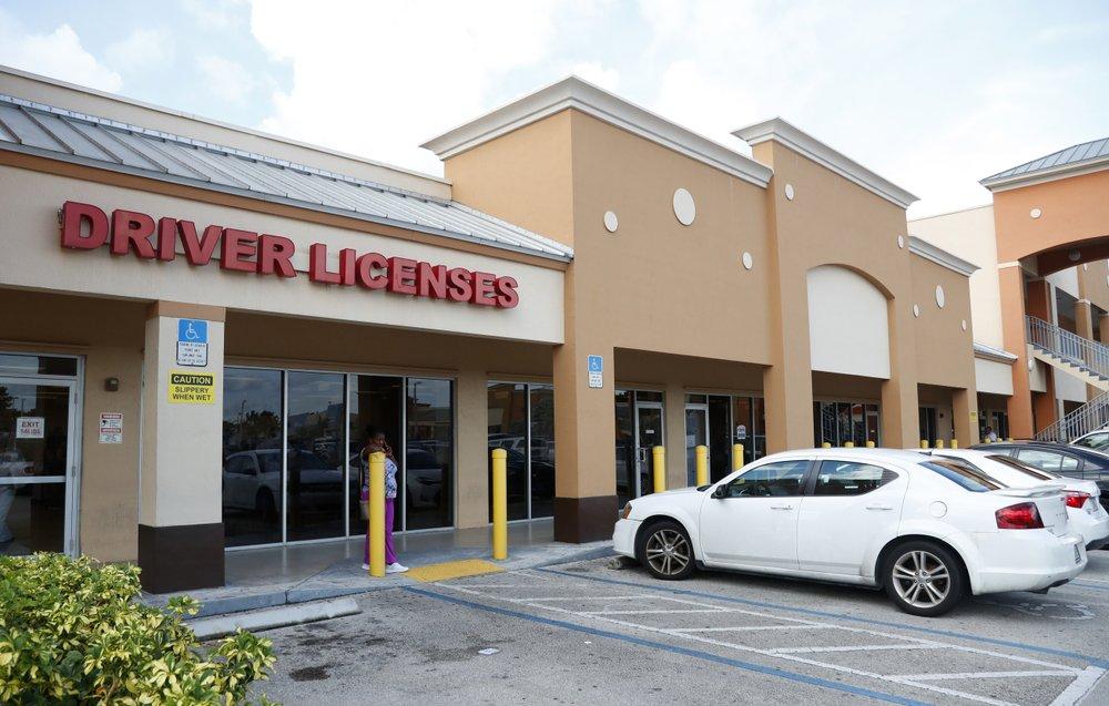 licencia de conducir para inmigrantes ilegales en Florida