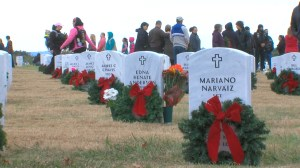 Thousands in wreath laying-ceremony at Veterans cemetery