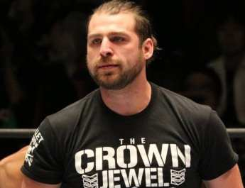 Chase Owens Re-Signs With NJPW