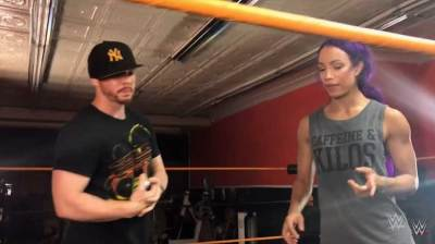 Sasha Banks trains with The Amazing Red - WWE News and Results, RAW and Smackdown Results, Impact News, ROH News