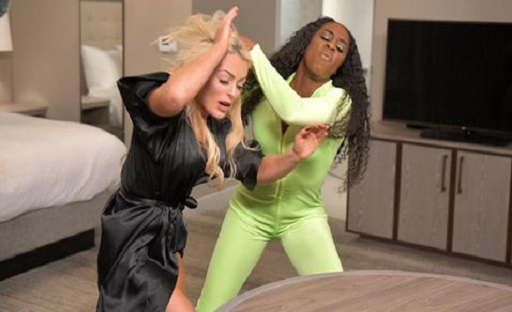 Mandy Rose welcomes Jimmy Uso to her hotel room and Naomi fought her