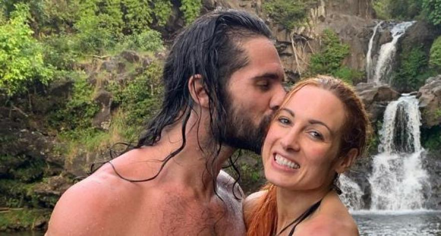 seth Rollins kiss Becky Lynch