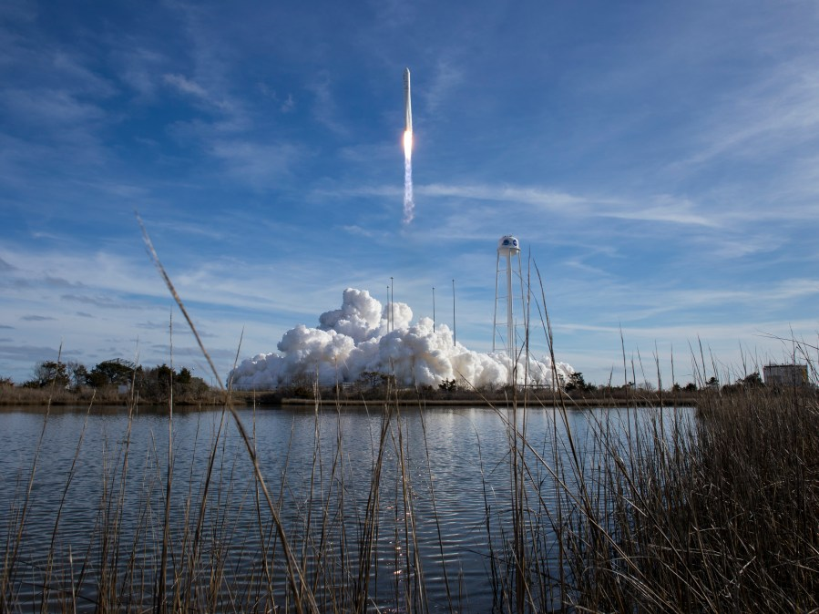 Historic SpaceX launch gets support from NASA crew at ...