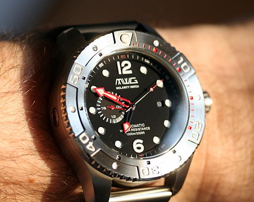 Molarity-Watch-Group-Deep-Diver (3)